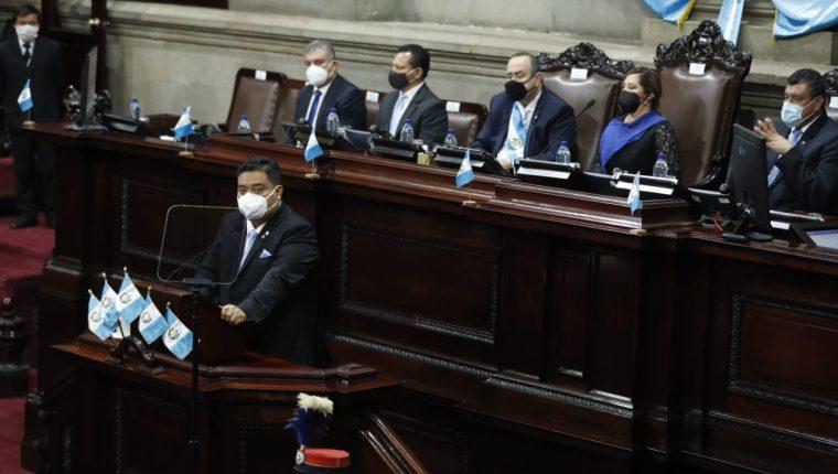 Allan Rodríguez, presidente del Congreso de la República asistió a la sesión solemne por los 199 años de independencia en Guatemala, luego de haber padecido de covid-19. (Foto Prensa Libre: Esbin García)