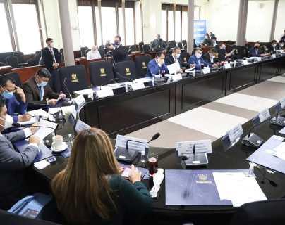 Comisión se niega a buscar acuerdos para las Cortes por señalamientos de la oposición
