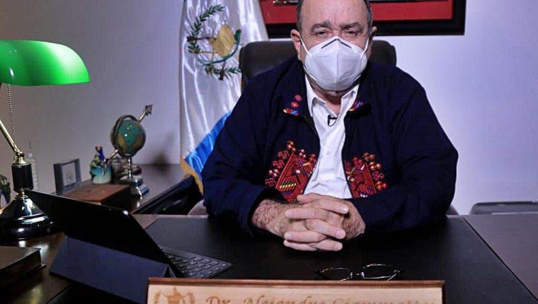 El presidente Alejandro Giammattei anunció que están mejor preparados para atender la pandemia. Foto Prensa Libre: Presidencia.