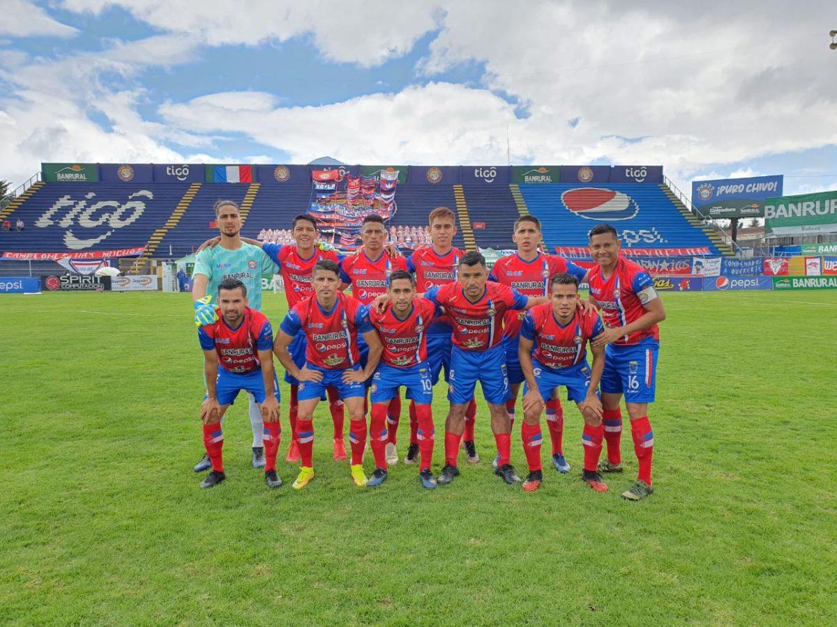 Xelajú festeja una victoria 2-1 contra Iztapa