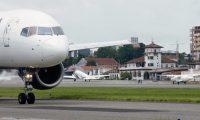 Después de seis meses de haber suspendido vuelos debido a las restricciones por el covid-19, las aerolíneas se aprestan a reanudar algunas rutas. (Foto, Prensa Libre: Hemeroteca PL).