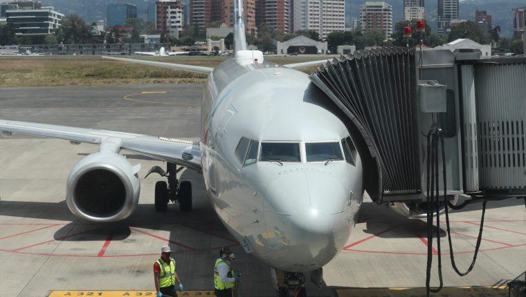 La demanda  de viajeros y la competitividad que logre el  país influirá en la velocidad para recuperar conectividad aérea, según expertos. (Foto, Prensa Libre: Hemeroteca PL).