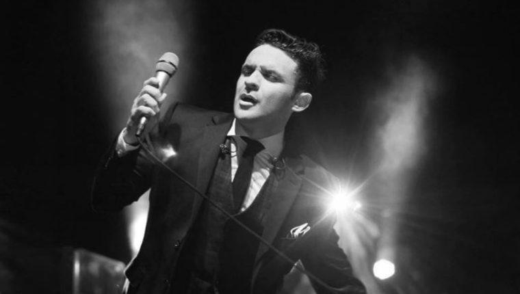 Carlos Peña y su big Band están nominados en los Latin Grammy 2020. (Foto Prensa Libre: tomada de .instagram.com/carlospenaoficial)