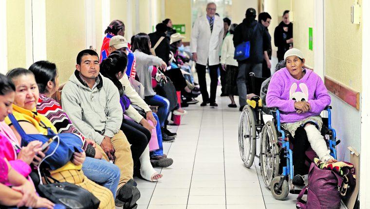 El uso del expediente médico electrónico ayudará a descongestionar las consultas externas de los hospitales. (Foto Prensa Libre: Hemeroteca PL)