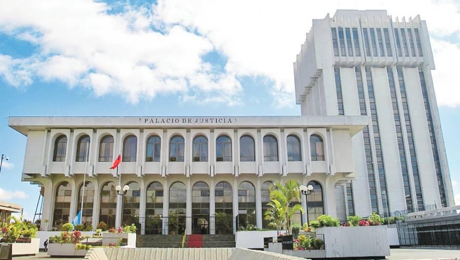 CSJ recibe dos expedientes de aspirantes a magistrados de la Corte de Constitucionalidad