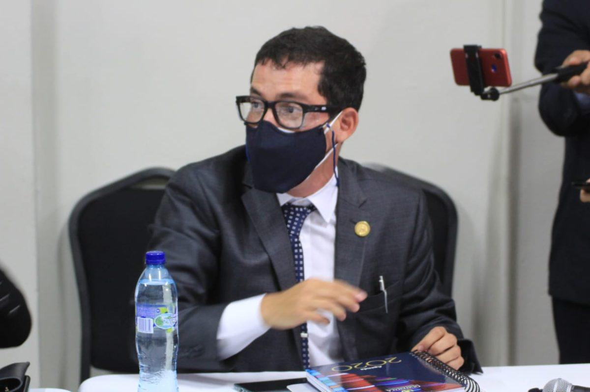 Miguel Martínez acude a citación de diputados de Winaq y URNG y defiende el trabajo del Centro de Gobierno
