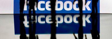 Facebook tomará medidas contra los grupos que promuevan la violencia. (Foto Prensa Libre: AFP)