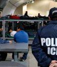 Las cáceles de migrantes en EE. UU. están de nuevo en la mira de congresistas. (Foto: AFP)
