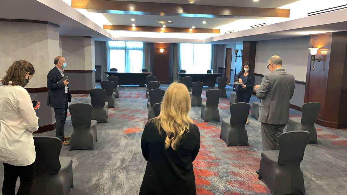 Sistema de alertas: ¿Es rentable organizar eventos en hoteles con el aforo de 1 persona por 10 metros cuadrados?