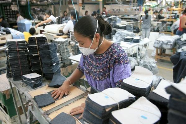 ¿Cómo avanzan las negociaciones para el salario mínimo 2021 y cuáles son las propuestas del sector empleador y sindical?