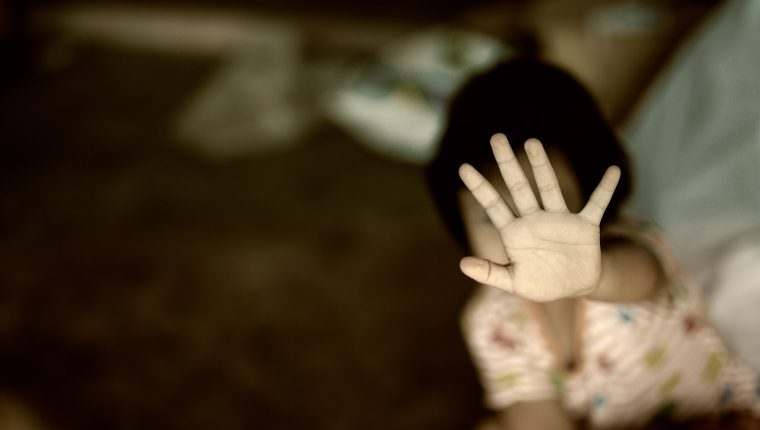 Hombre recibe condena de 101 años por violar de su hijastra durante siete años