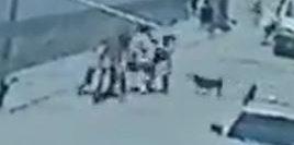 Imagen de cámara de vigilancia que muestra el momento del secuestro del niño.