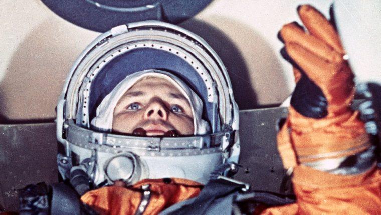 Yuri Gagarin hizo historia en 1961. Esta imagen fue tomada minutos antes del despegue.