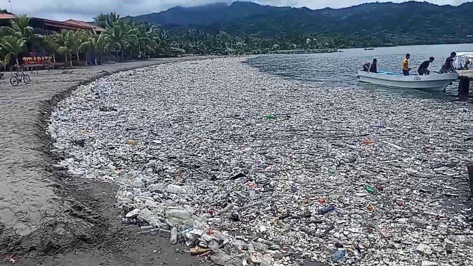 """El ultimátum de Honduras a Guatemala para que solucione """"el río de basura"""" que enfrenta a ambos países desde hace años"""