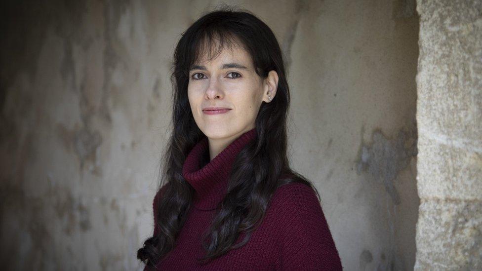 """Carissa Véliz, profesora de Oxford: """"La falta de privacidad ha causado, indirectamente, más muertes que el terrorismo"""""""