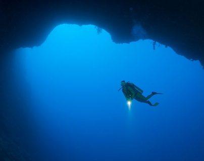 Cómo fue la primera inmersión de uno de los enigmáticos agujeros azules del Golfo de México