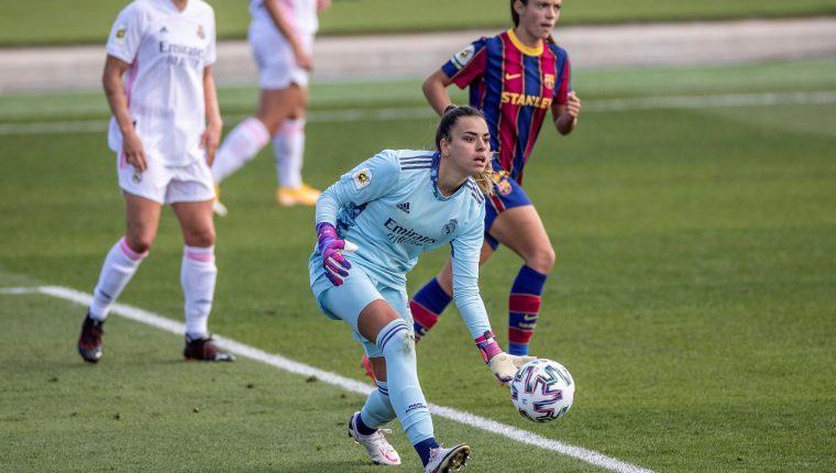 La portera del Real Madrid Misa Rodríguez ha recibido el apoyo de muchas personalidades y equipos por los insultos machistas tras publicar un mensaje en Twitter.  Foto Prensa Libre: EFE.