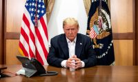 Bethesda (United States), 05/10/2020.- A handout photo released by the White House shows US President Donald J. Trump during a phone call with US Vice President Mike Pence, Secretary of State Mike Pompeo, and Chairman of the Joint Chiefs of Staff Gen. Mark Milley, from his conference room at Walter Reed National Military Medical Center in Bethesda, Maryland, USA, 04 October 2020. (Estados Unidos) EFE/EPA/THE WHITE HOUSE / TIA DUFOUR / HANDOUT EDITORIAL USE ONLY, NO SALES HANDOUT EDITORIAL USE ONLY/NO SALES