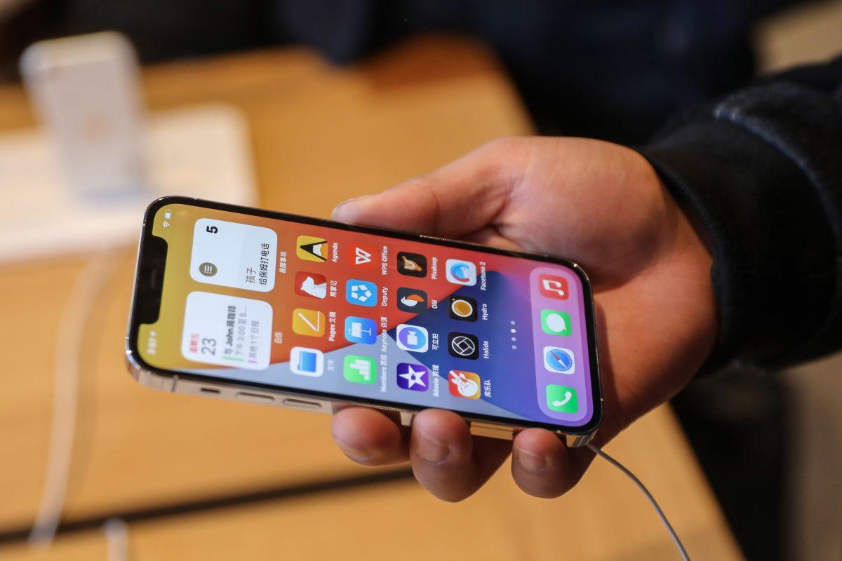 iPhone: Multan a Apple por mentir sobre resistencia al agua de sus teléfonos