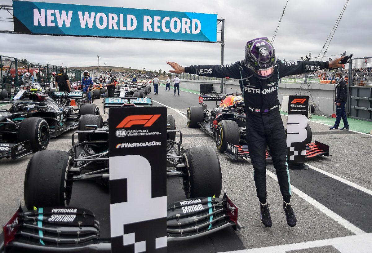 Hamilton bate récord de victorias de Schumacher al ganar en Portugal