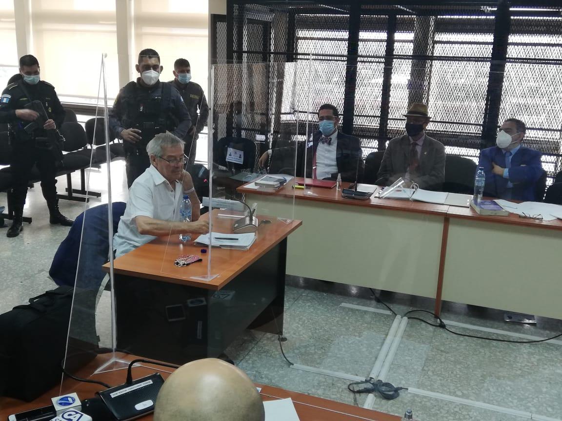 """César Montes dice que muerte de tres soldados en Semuy 2 """"fue en legítima defensa"""""""
