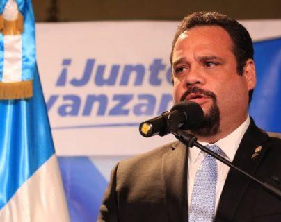 Exministro de Comunicaciones José Luis Benito no deja rastros de su paradero y evade a la Justicia en siete allanamientos