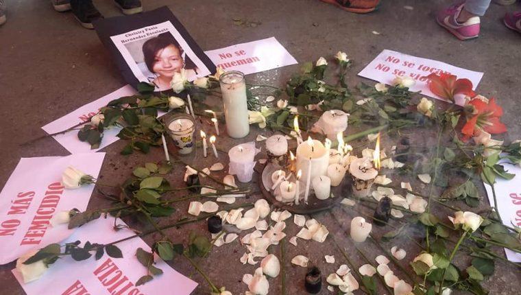 El pasado 4 de febrero se cumplió un año del crimen contra Chelsiry Paola, uno de las decenas de casos que han conmocionado a la sociedad guatemalteca en los últimos meses que siguen a la espera de justicia.  (Foto Prensa Libre: Sororidad Guatemala / Facebook).