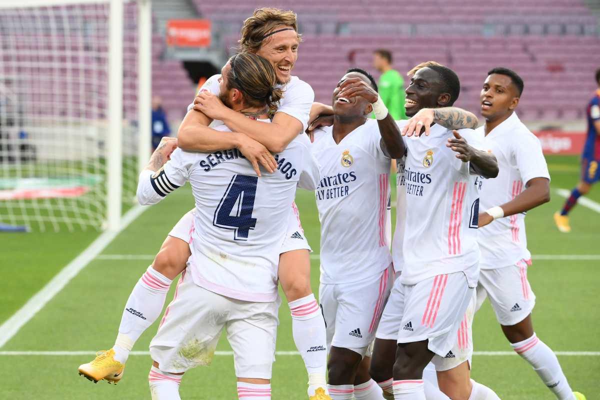 Valverde, Ramos y Modric le dan la victoria al Real Madrid en el clásico ante el Barcelona