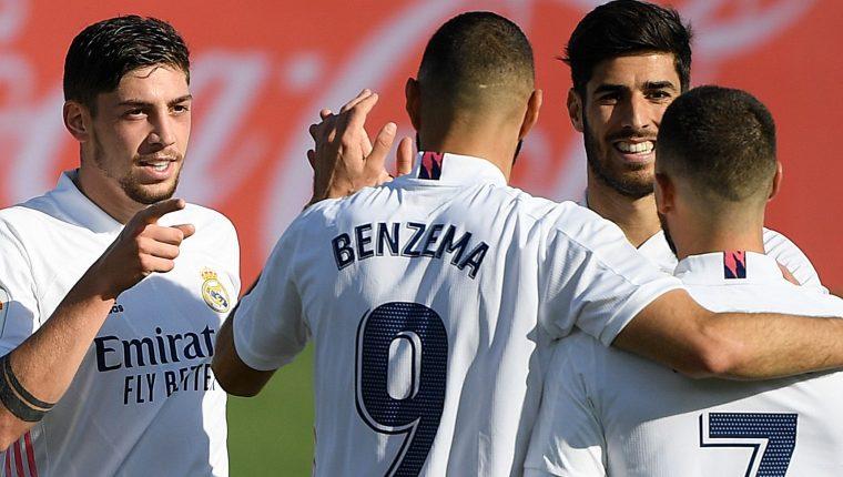 Benzema se apuntó en la victoria del Real Madrid sobre el S. D. Huesca con un doblete. (Foto Prensa Libre: AFP)