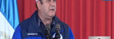El presidente Giammattei en actividad en San Marcos donde anunció el ingreso del tren de México. (Foto Prensa Libre: Tomada de video del gobierno)