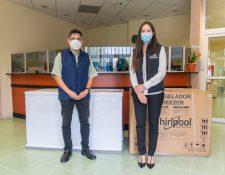 Este donativo fue un esfuerzo en conjunto de BANRURAL y los usuarios de sus tarjetas. Foto Prensa Libre: Cortesía.