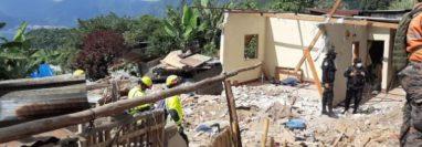 Así quedó la vivienda de Lita Mendoza por la tragedia en San Marcos La Laguna, Sololá. (Foto Prensa Libre: Carlos Hernández)