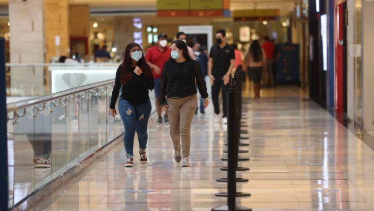 Se espera un impulso en el consumo tras el efecto estacional de las festividades de fin de año. (Foto Prensa Libre: Érick Ávila)