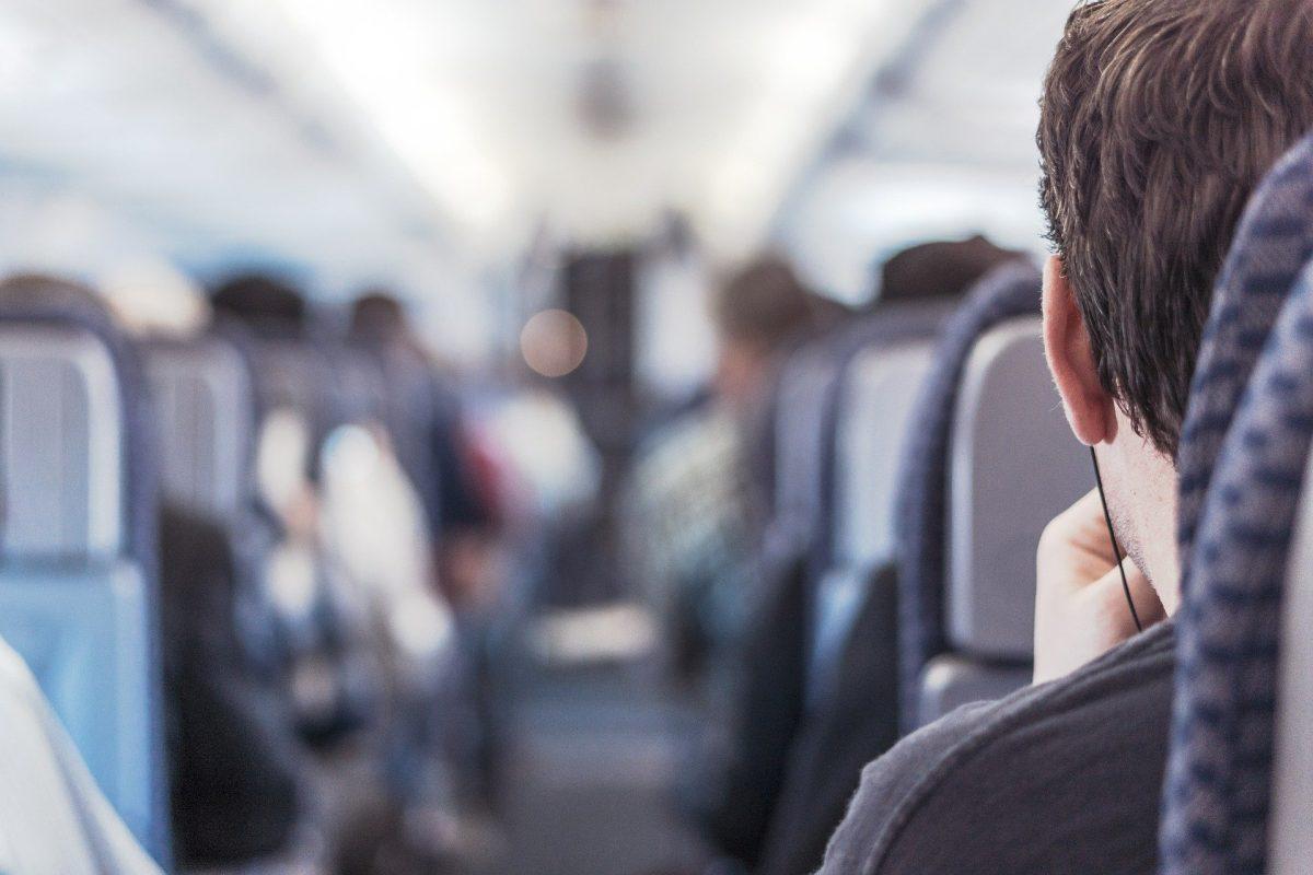 Cómo viajar seguro en avión en tiempos de coronavirus
