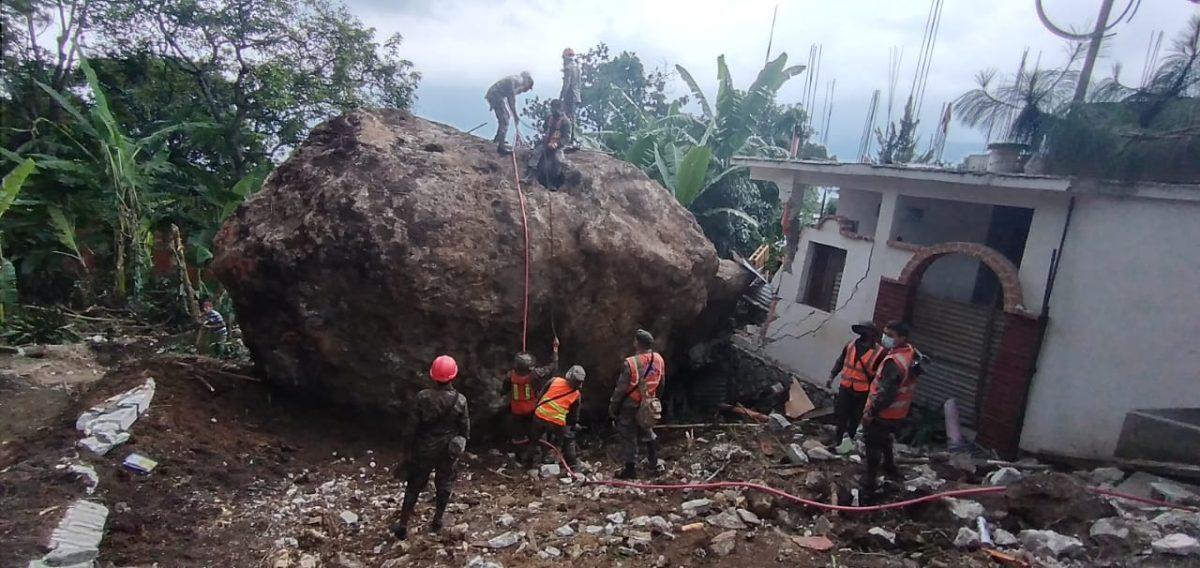 Alerta en San Marcos La Laguna por desprendimiento de más rocas