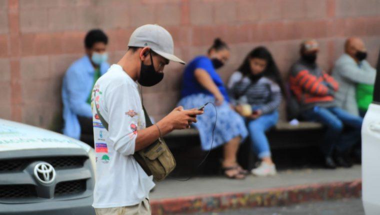 El uso de mascarilla es una de las principales recomendaciones para evitar contagios de coronavirus. (Foto Prensa Libre: Byron García)