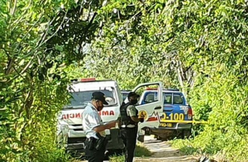 Bomberos reportan el hallazgo de dos cadáveres y la muerte a balazos de un taxista