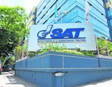 De entre 25 aspirantes el gobernante elegirá a dos para el directorio de la SAT. (Foto Prensa Libre: HemerotecaPL)