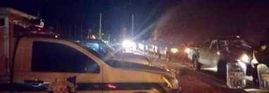 Autoridades se presentan al lugar donde fueron vapuleados los presuntos secuestradores. (Foto: PDH)