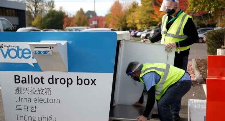 Con más de la mitad de los votantes estadounidenses que han emitido sus votos anticipadamente o por correo, se están desechando aún más boletas, afirman los analistas. (Foto: Voa Noticias)