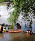 El cuerpo de Aníbal Estuardo Rivera Cortez fue localizado en aguas del río Icán, en Mazatenango, Suchitepéquez. (Foto Prensa Libre: Ejército de Guatemala)
