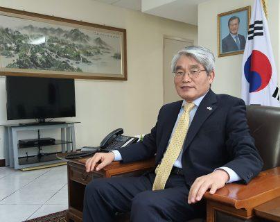 Embajador de Corea en Guatemala, Seok-hwa Hong. Foto Prensa Libre: Cortesía Embajada de la República de Corea)