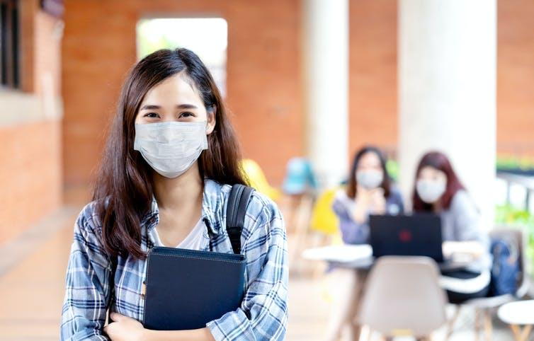 La pandemia coloca a los estudiantes universitarios en el centro del aula