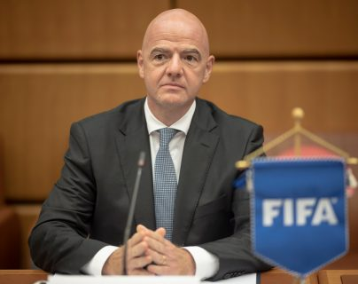 El presidente de la FIFA, Gianni Infantino, fue diagnosticado con coronavirus y padece síntomas leves. (Foto Prensa Libre: EFE)