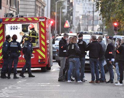 Hombre hiere de bala a un sacerdote ortodoxo en Francia, un sospechoso fue detenido