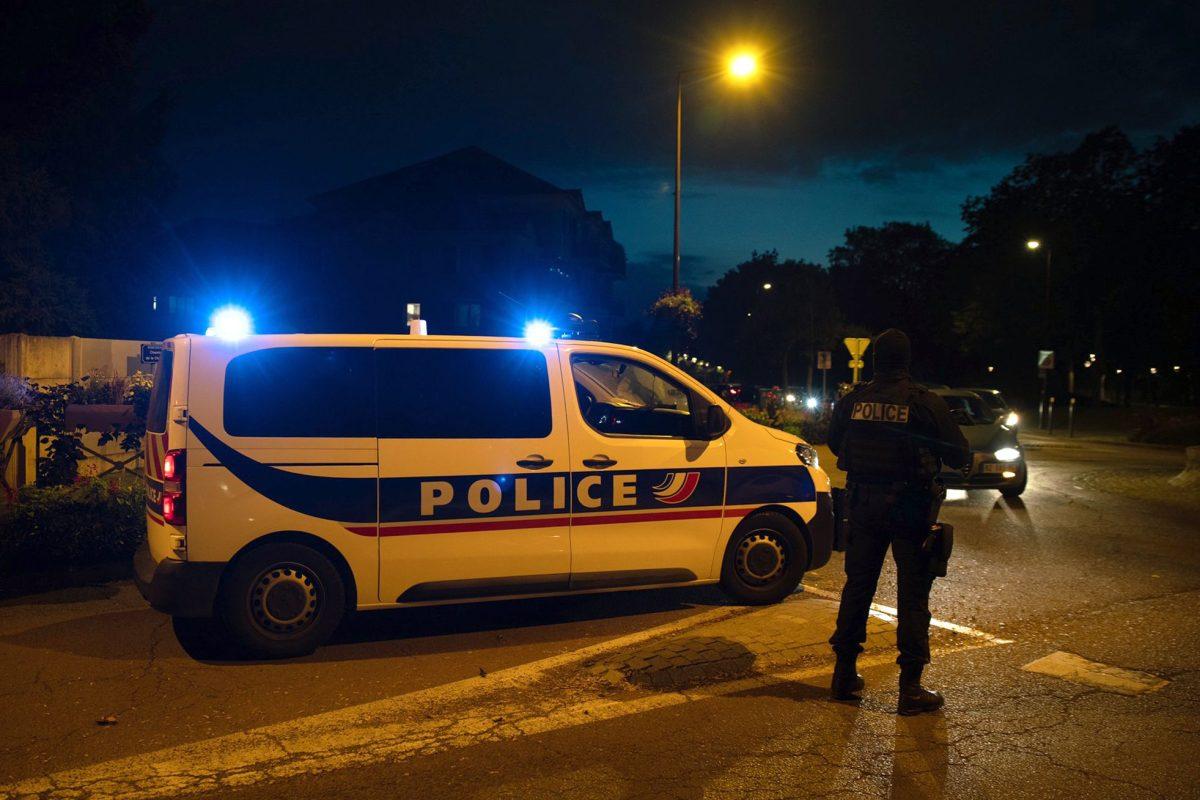 Un profesor que mostró caricaturas de Mahoma a sus alumnos es decapitado cerca de París