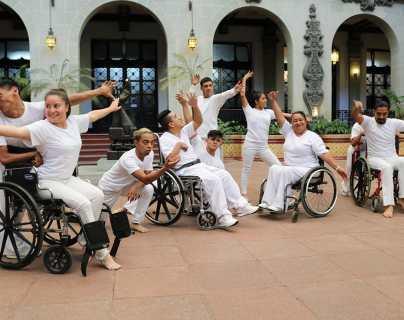 Rifan obras de los artistas Diana Fernández y Ramón Ávila, a beneficio de personas con discapacidad