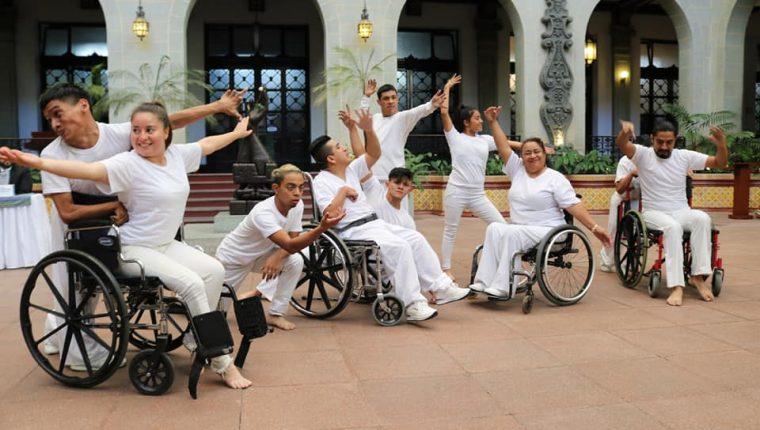 La fundación Artes Muy Especiales cumple su 25 aniversario de ayudar a personas con discapacidad. (Foto Prensa Libre: Facebook @ArtesMuyEspeciales).