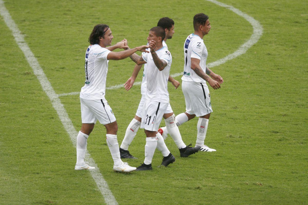 Los cremas celebran una contundente victoria frente a Iztapa en la octava jornada