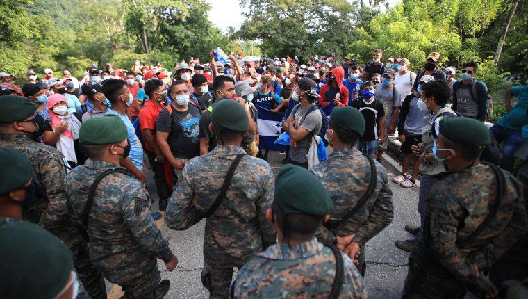La caravana de migrantes de octubre pasado fue disuelta en Guatemala. (Foto Prensa Libre: Hemeroteca PL)